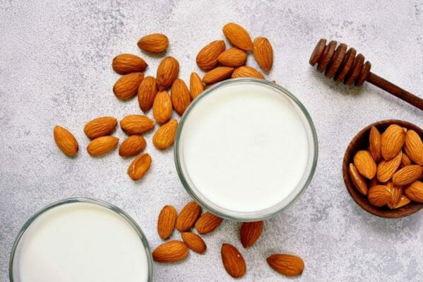 almond milk and almond nuts